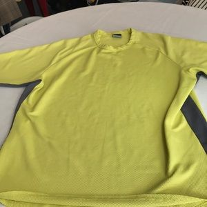 Nike men's sphere dry t shirt lime and gray